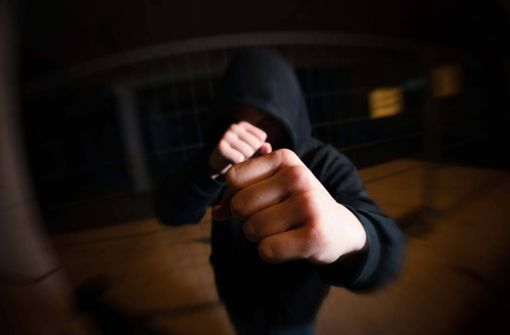 16-Jähriger bestohlen und geschlagen – Zeugen gesucht
