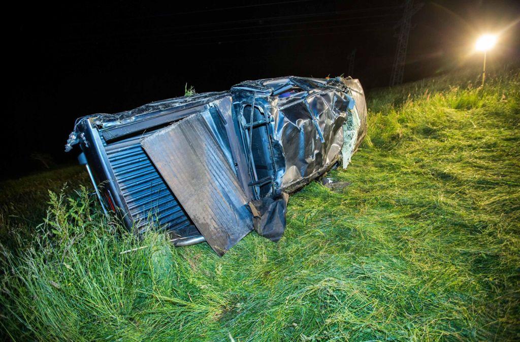 Der 21-jährige Beifahrer wurde aus dem Wagen geschleudert und erlitt dabei schwerste Verletzungen. Foto: 7aktuell.de/Simon Adomat