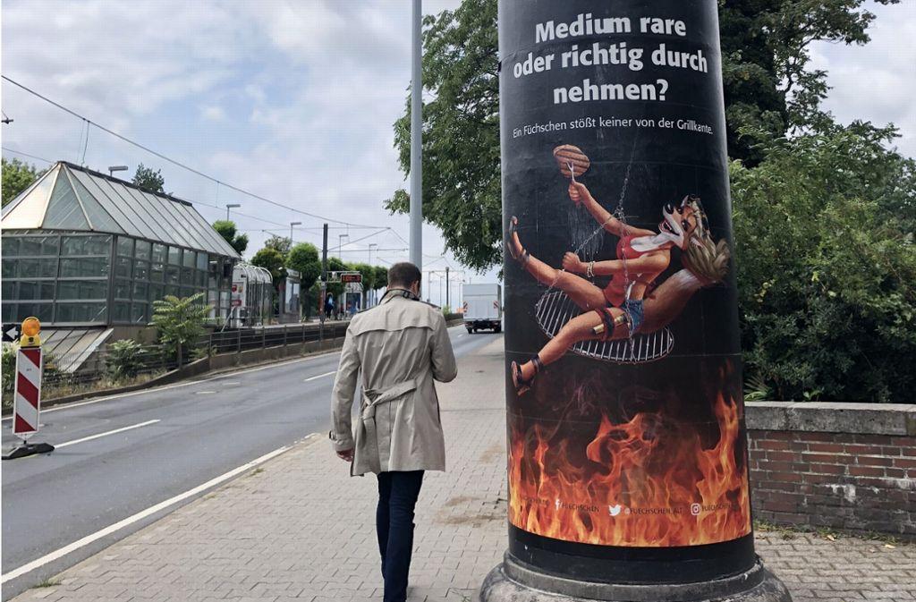 Diese Werbung einer Düsseldorfer Brauerei sorgt für Furore. Foto: dpa