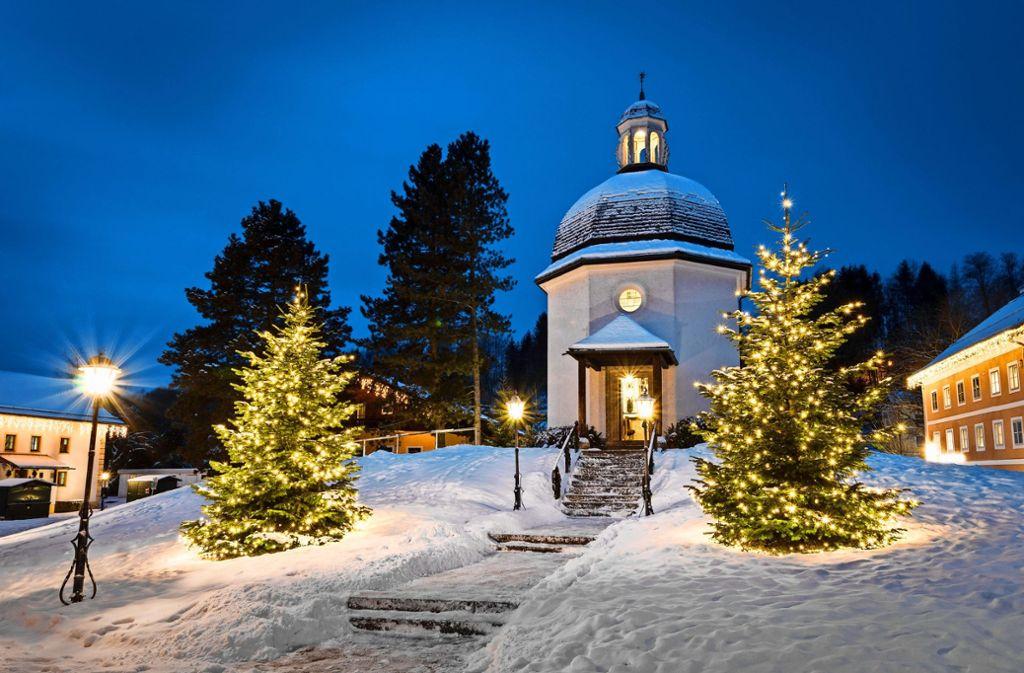 """Nicht nur zur Weihnachtszeit: Die """"Stille Nacht""""-Kapelle in Oberndorf ist das ganze Jahr über ein Anziehungspunkt für Besucher. Foto: Tourismusverband Oberndorf"""