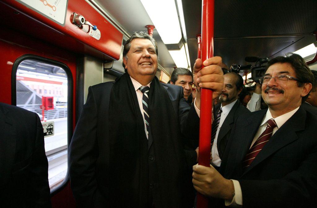 Perus Ex-Präsident Alan García (links) auf einem Foto aus dem Jahr 2011. Foto: AP
