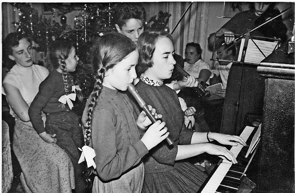 Bei der Degerlocher Großfamilie  Dieter mit 13 Kindern  wurde in den 1950er Jahren an Weihnachten stets viel gesungen und gemeinsam musiziert. Foto: privat