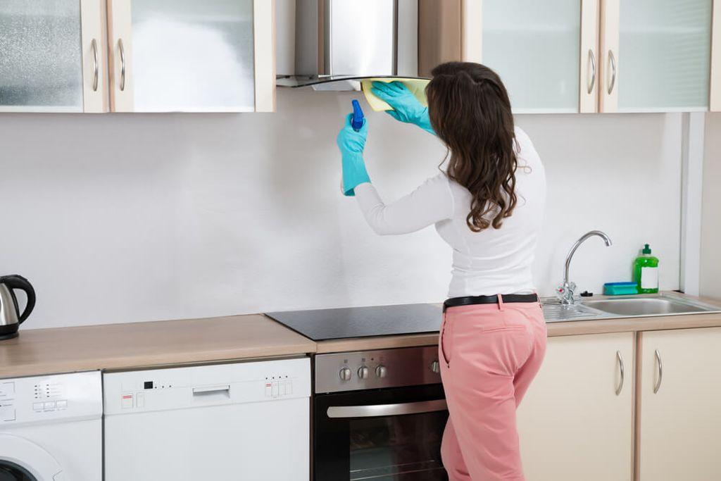 So wird die Abzugshaube wieder sauber. Foto: Andrey_Popov / shutterstock.com