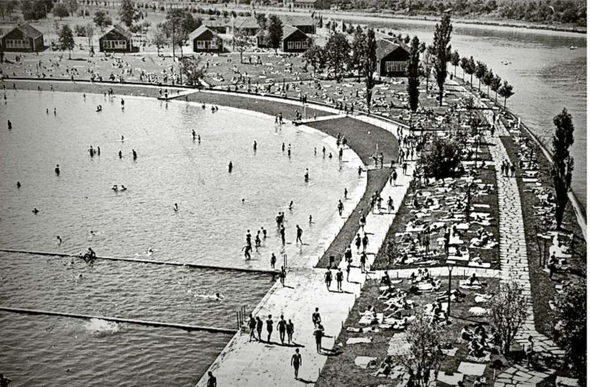 Sieht aus wie im Urlaub, es ist Stuttgart: 1935 war der künstlich am Neckar angelegte Max-Eyth-See ein Strandbad. Foto: DLRG