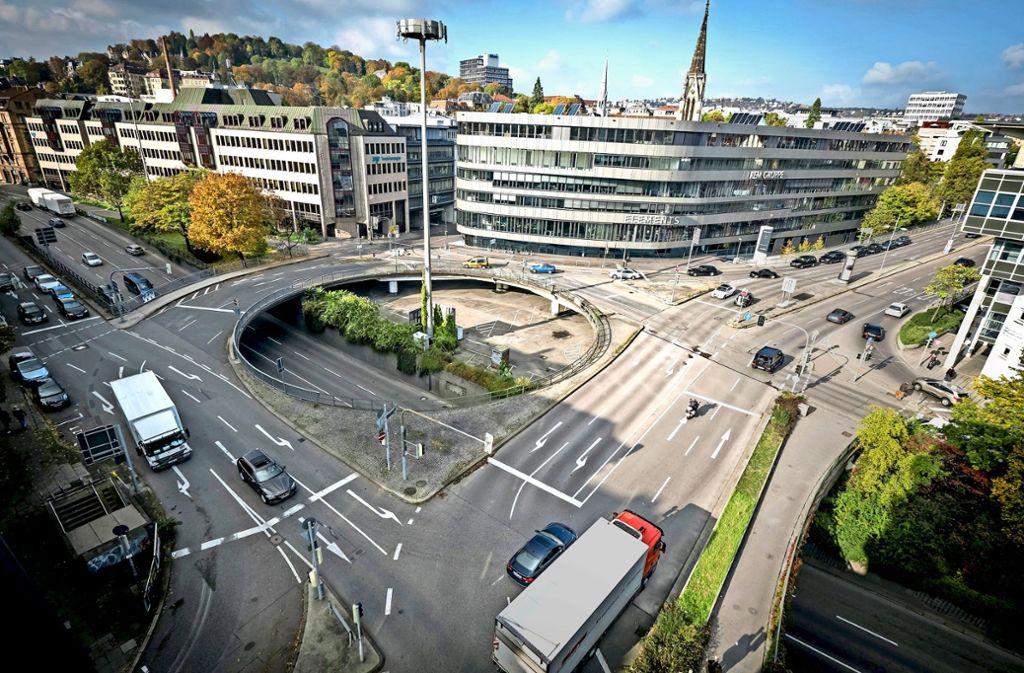 In den Sommerferien beginnt die Sanierung des Rondells am Österreichischen Platz in Stuttgart, das einen der unwirtlichsten Plätze Stuttgarts markiert. Foto: Lichtgut/Achim Zweygarth