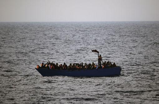 Mindestens 97 Flüchtlinge vermisst