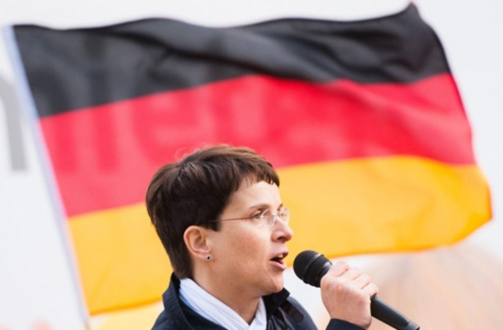 Frauke Petry von der AfD kommt mit einem neuen Vorschlag in der Flüchtlingsfrage daher. Foto: dpa