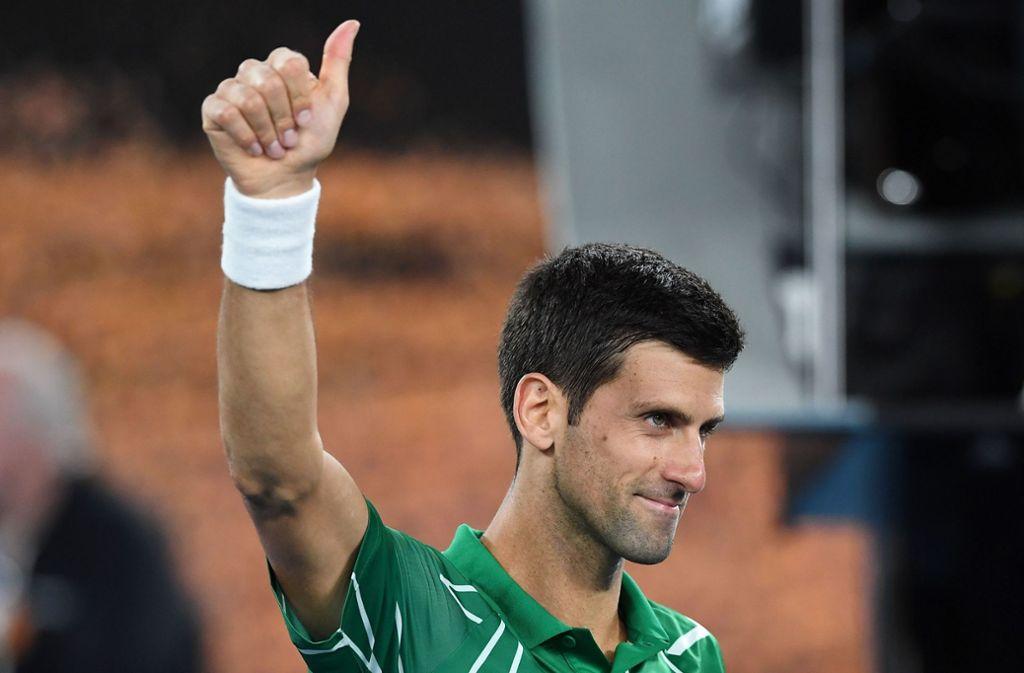 Daumen hoch: Novak Djokovic steht im Halbfinale. Foto: AFP/GREG WOOD