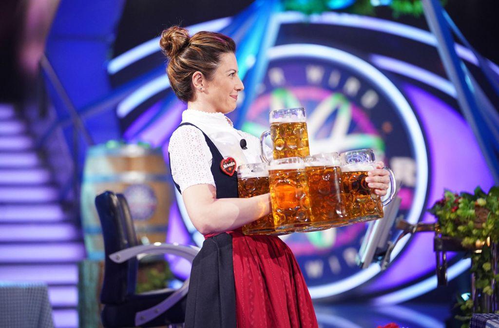 """Wiesn-Kellnerin Michaela Maier in der RTL-Quizshow """"Wer wird Millionär?"""" Foto: RTL"""
