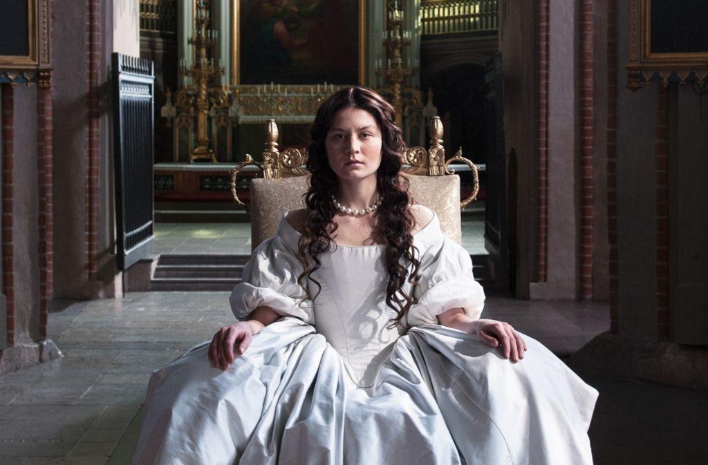 Königin Kristina (Malin Buska) bricht Regeln und sprengt Rollenbilder. Foto: NFP