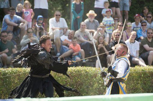 Von Gauklern, kämpfenden Rittern und Feuershows