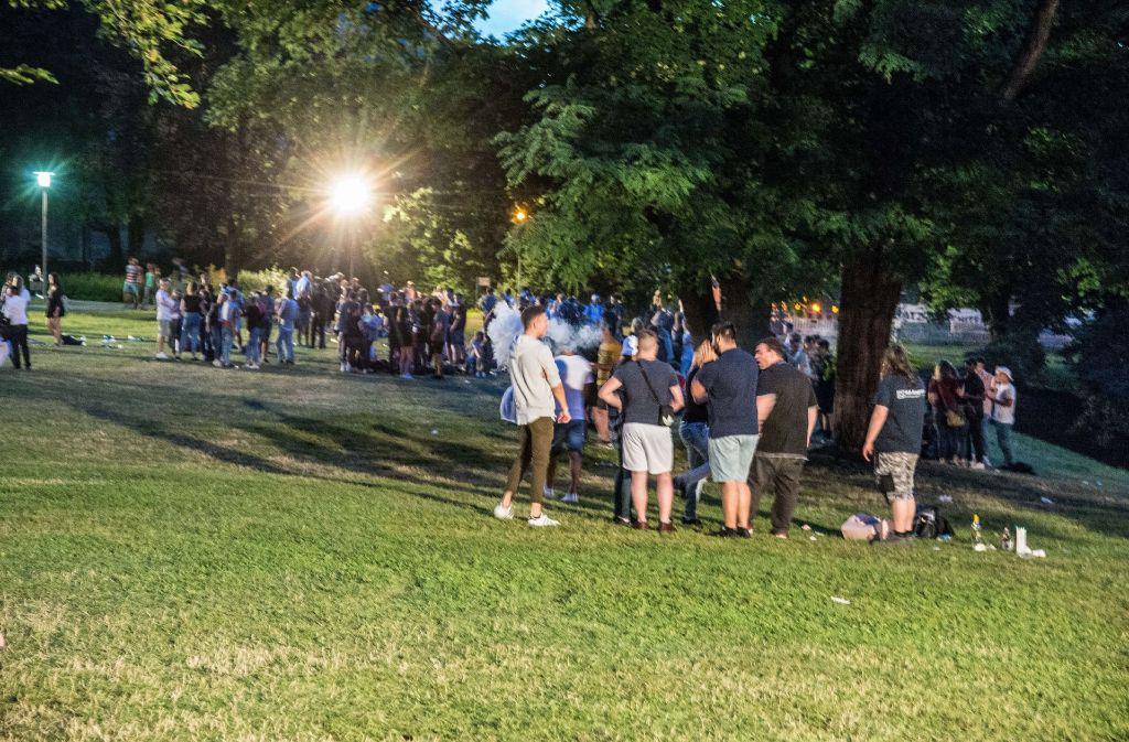 Am Montagabend ist der Park früh beleuchtet und dann geräumt worden. Foto: SDMG