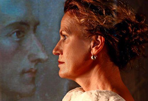 """Martina Guse verkörpert das Einpersonenstück """"Ein Gespräch im Hause Stein über den abwesenden Herrn von Goethe"""" im Forum Theater. Geprobt wird aktuell trotz Corona."""