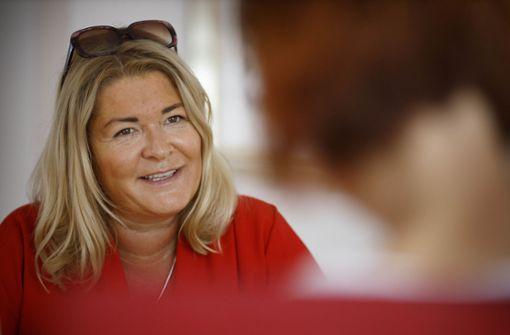 Gudrun Nopper gibt Weihnachtsessen aus