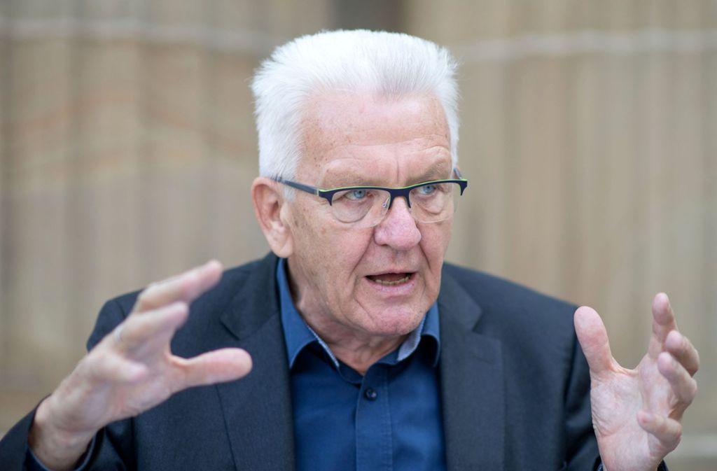 Winfried Kretschmann warnt davor, den Menschen zu viel zu verbieten. Foto: dpa