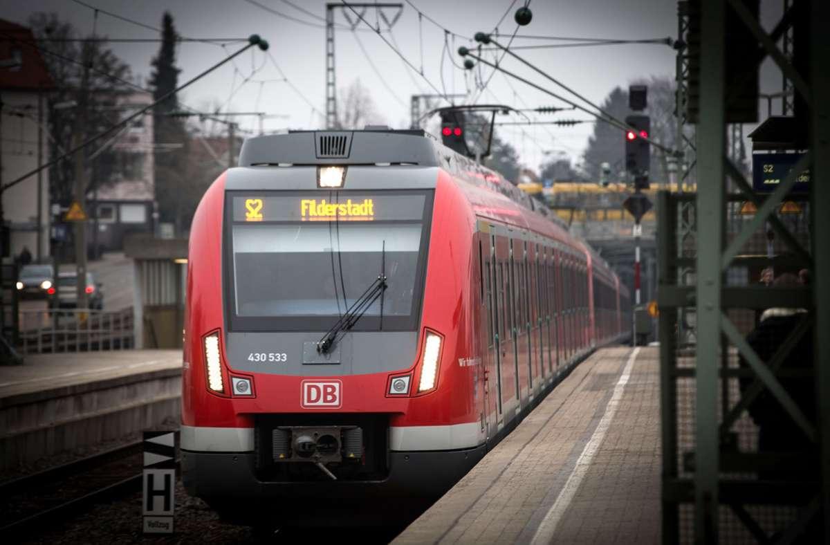 Der Vorfall geschah in einer S-Bahn der Linie S2. (Symbolbild) Foto: Lichtgut/Achim Zweygarth