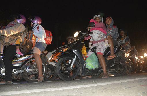 Schweres Erdbeben erschüttert Java