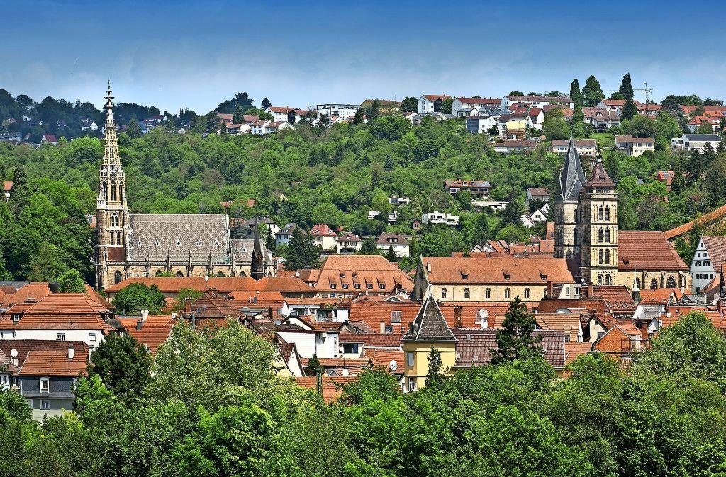 Insgesamt 66 Glocken von 13  Türmen werden am letzten Sonntag der Pfingstferien gemeinsam erklingen. Wer für den Dicken Turm spendet, kann vom Burgberg aus zuschauen. Foto: Rudel