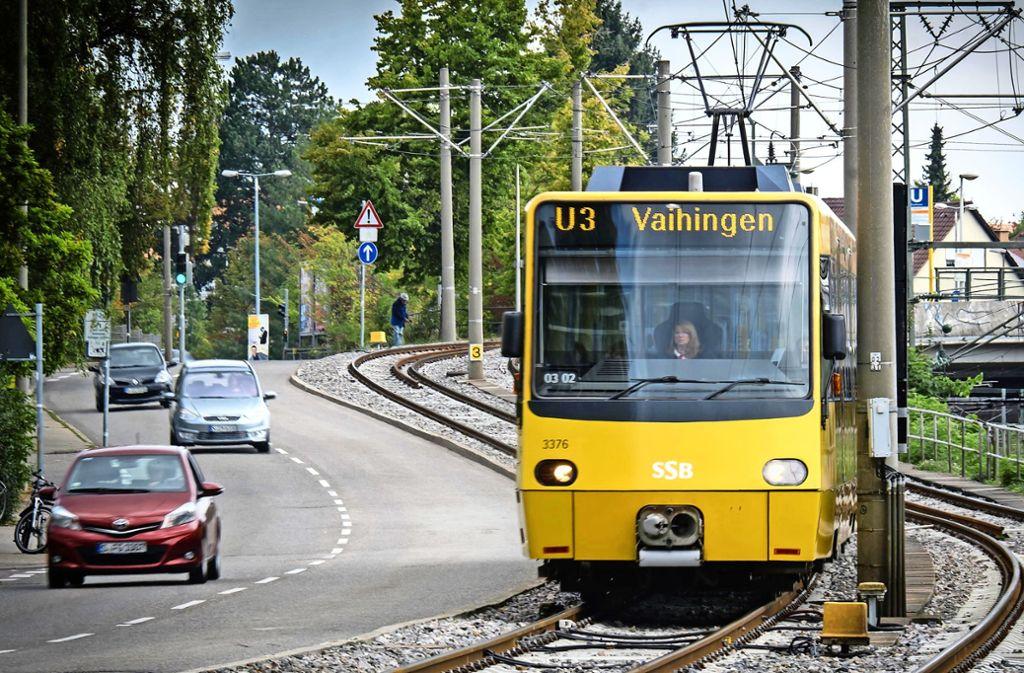 Je mehr Bahnen eine Strecke befahren, desto mehr Belastung bedeutet das für die Gleise. Um sie instandzuhalten, werden sie regelmäßig geschliffen. Foto:
