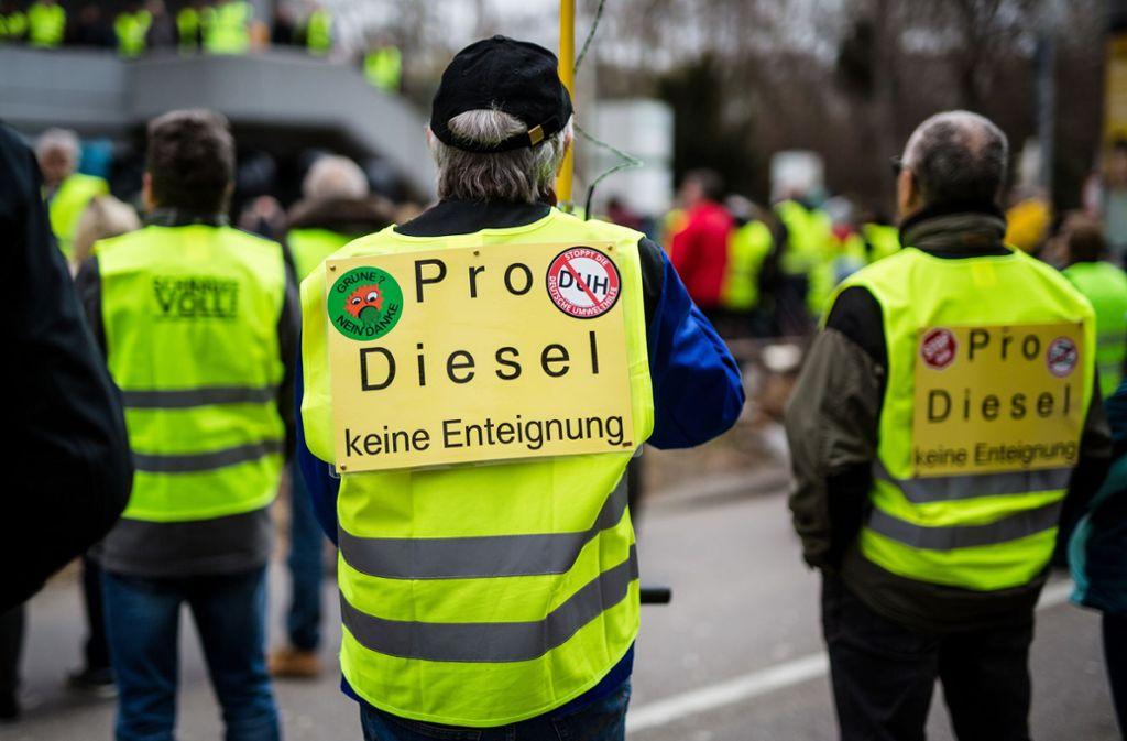 Schon im März wurde in Stuttgart gegen das Dieselfahrverbot demonstriert. Foto: Lichtgut/Christoph Schmidt