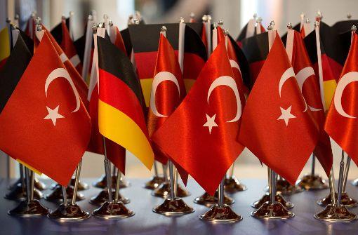Mehrere Türken mit Diplomatenpass erhalten Asyl