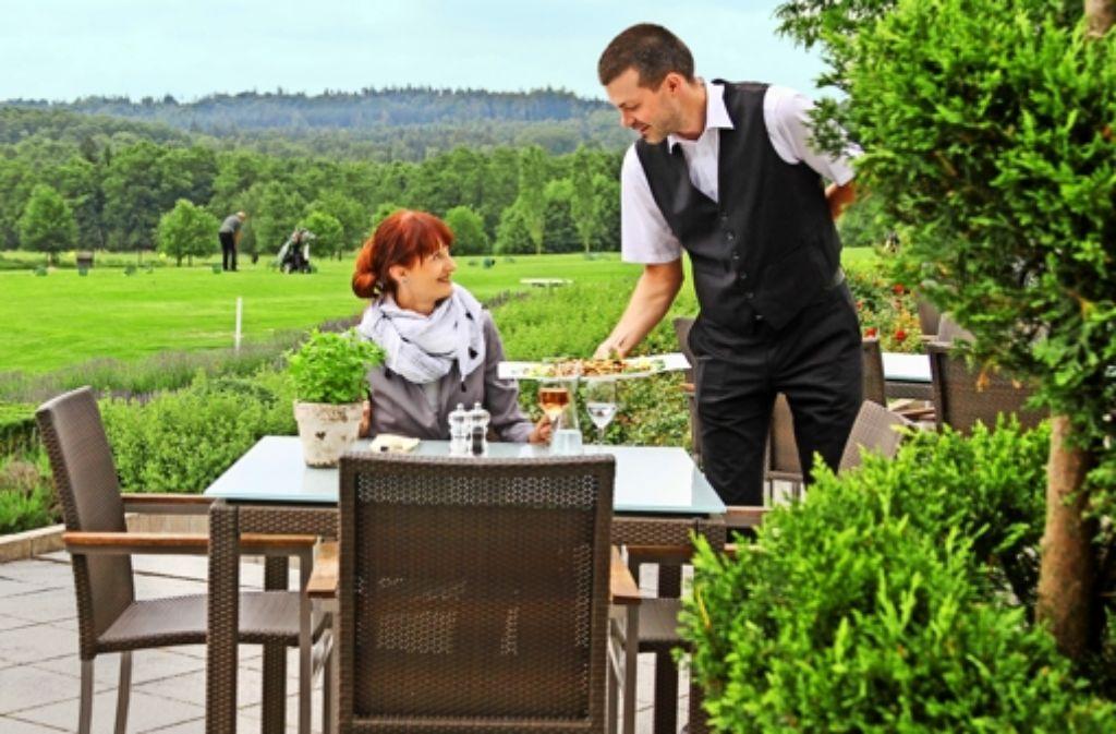 Erholsam auch ohne Platzreife: die Terrasse des Restaurants Foto: factum/Granville