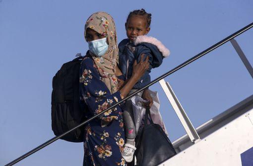 Ministerium: 104 Flüchtlinge in Deutschland  angekommen