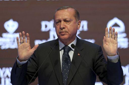 """Erdogan spricht von """"unanständigem Verhalten"""" der Niederlande"""