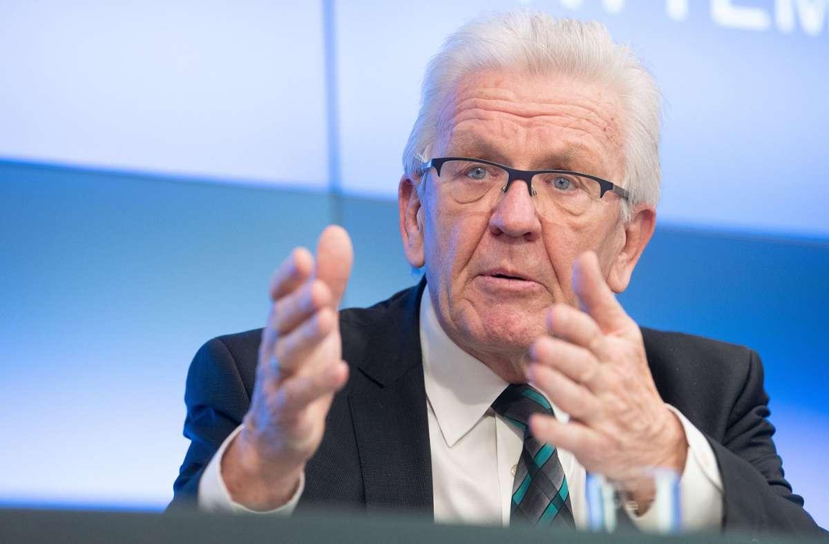 Winfried Kretschmann sieht die geplanten Lockerungen in Gefahr. Foto: dpa/Sebastian Gollnow