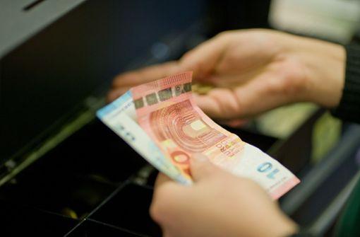 Dreiste Trickdiebe ergaunern mehrere Hundert Euro