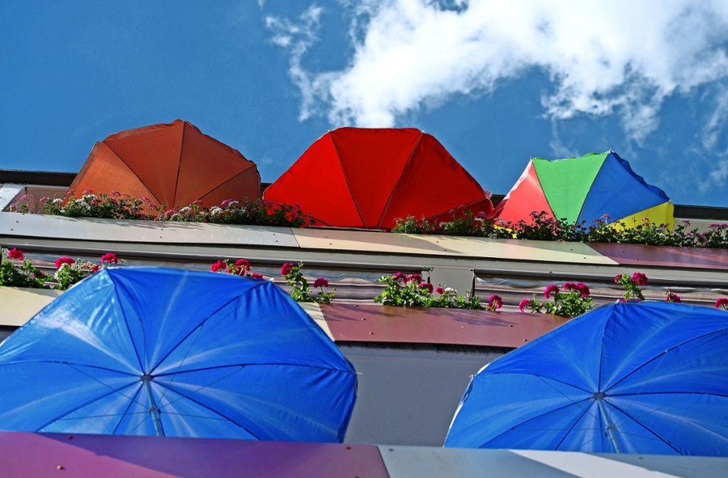 Voraussetzung für die Aufstellung des Lärmmessgeräts ist ein geschützter Ort, etwa der heimische Balkon. Foto: dpa