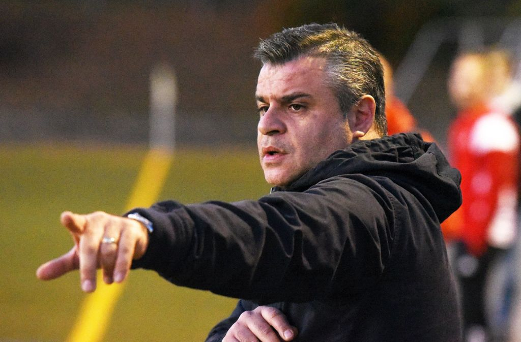 Glückliches Händchen: der Trainer Carmine Napolitano. Foto: Günter Bergmann