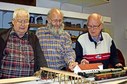 Diese Männer arbeiten an einem kleinen Großprojekt