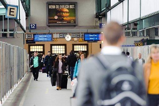Querbahnsteig im Bahnhof ebnet Weg für Baugrube