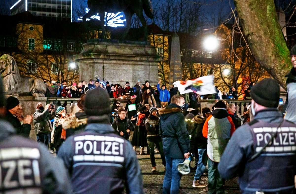 Demo gegen die Corona-Maßnahmen in Stuttgart kurz vor dem Jahreswechsel Foto: Lichtgut/Julian Rettig