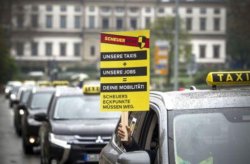 400 Taxifahrer protestieren gegen neue Konkurrenz