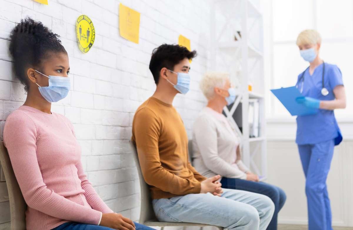 Angesteckt nach der Erstimpfung: Was dann? Foto: Prostock-studio / shutterstock.com