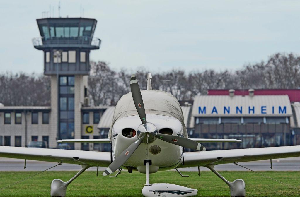 Der Flughafen in Mannheim will sich neu aufstellen – und mit Worms und Speyer in Rheinland-Pfalz kooperieren. Foto: dpa