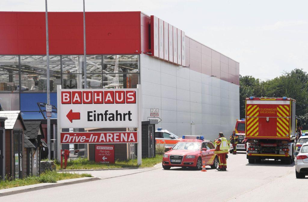 Beim Absturz eines Kleinflugzeugs in Bruchsal sind mindestens drei Menschen ums Leben gekommen. Foto: dpa
