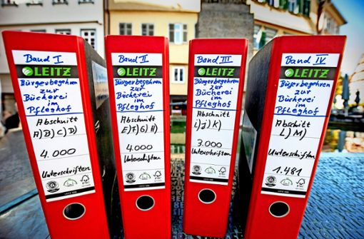 12485 Unterschriften für  Bücherei-Verbleib im Bebenhäuser Pfleghof