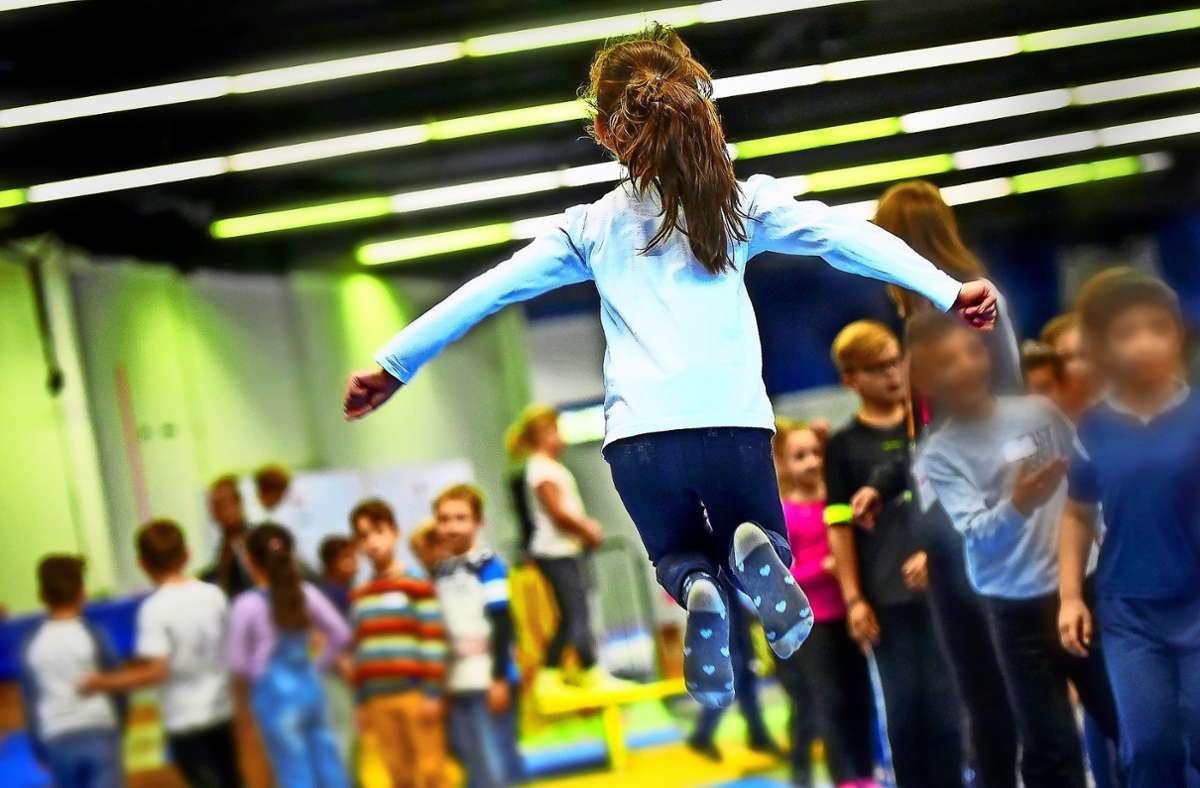 Noch müssen die Kinder warten, Sportunterricht an den Schulen und in Vereinen ist derzeit nicht erlaubt. Foto: /Lichtgut/Leif Piechowski