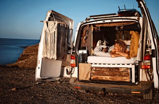 Sein Auto ist für ihn   Berg- und Strandhaus