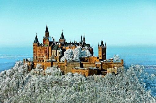 Die Burg Hohenzollen ist ein  märchenhafter Blickfang. Jetzt wurde sie allerdings zum Zankapfel eines Rechtsstreits. Foto: Tourismusverband