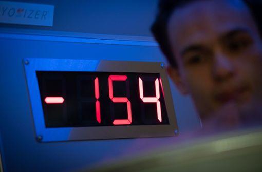 Minus 154 Grad  – ein  junger Mann lässt sich kalt stellen