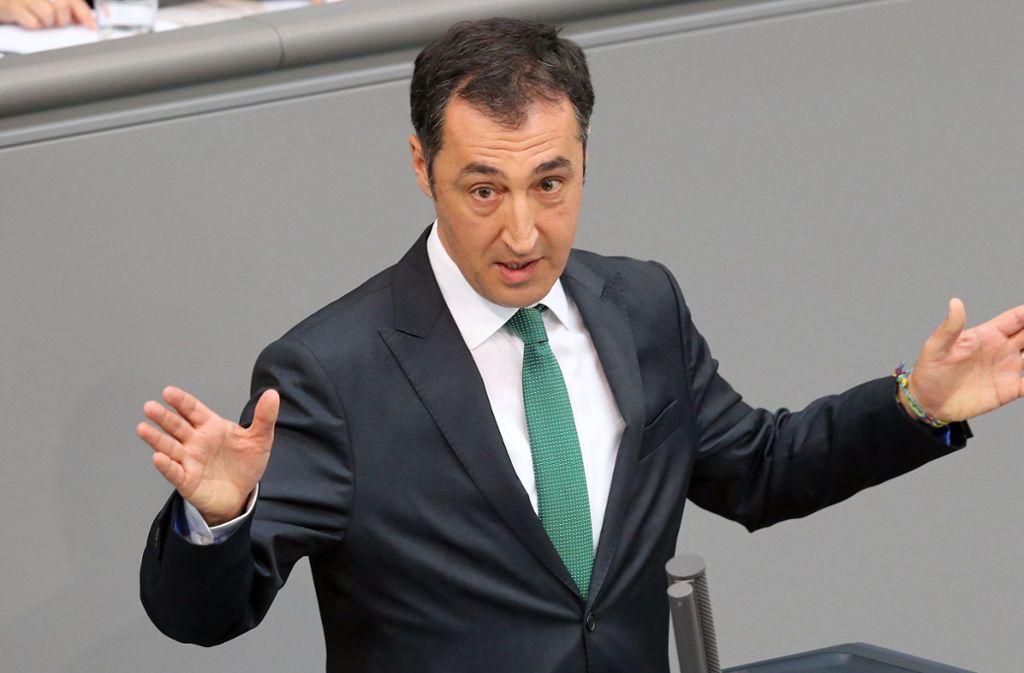 """Cem Özdemir sieht Stuttgart21 jenseits des """"point of no return"""" Foto: dpa"""
