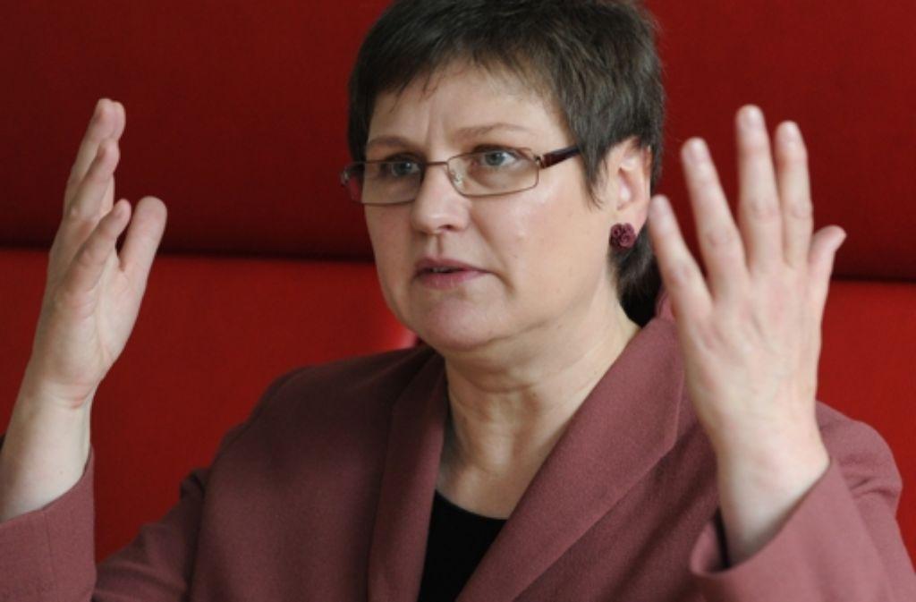 """Die Terminfolge der Tarifrunde sei """"brutal kurz"""", sagt die baden-württembergische Verdi-Landesvorsitzende Leni Breymaier. Foto: dpa"""