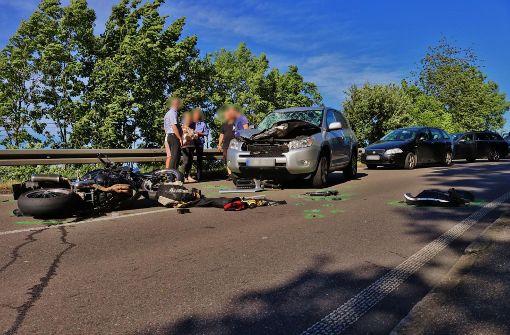 Unfälle | Motorradfahrer bei Überholmanöver schwer verletzt