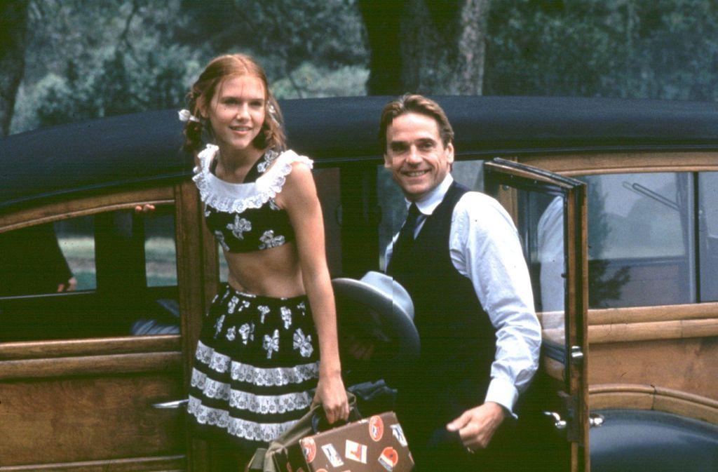 """Jeremy Irons und Dominique Swain in einer Szene des Spielfilms """"Lolita"""" (1997) Foto: Getty"""
