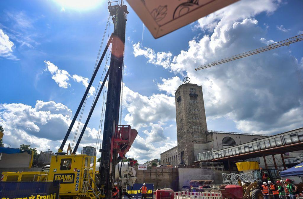 Vor wenigen Wochen hat die Bahn auf der Baustelle des neuen Tiefbahnhofs den letzten Gründungspfahl gesetzt. Foto: Lichtgut/Max Kovalenko