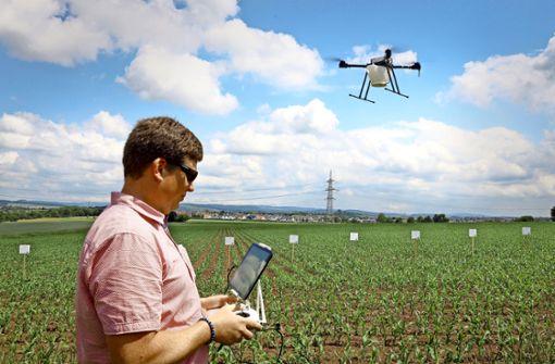 Warum immer mehr Drohnen über den Äckern fliegen